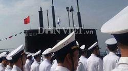 Chùm ảnh: Nắng rực rỡ trong lễ thượng cờ hoành tráng trên tàu ngầm Kilo Hà Nội