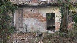 Thanh niên nhặt rác chết rét trong ngôi nhà hoang