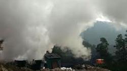 Clip cháy lò than ở Quảng Ninh, khói ngút trời