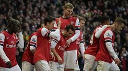 Cazorla lập cú đúp giúp Arsenal giữ vững ngôi đầu