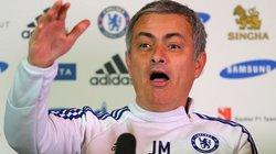 Mourinho phủ nhận chuyện rơi lệ vì M.U