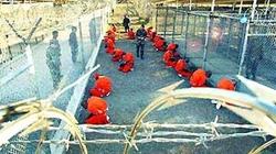 """Giữa """"địa ngục trần gian"""", tù nhân Guantanamo đòi… xem vô tuyến"""