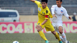 Công Vinh ghi bàn thứ 100 giúp SLNA soán ngôi đầu bảng