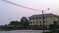 """Bắc Ninh: Hàng trăm người vây UBND xã, """"giam lỏng"""" Chủ tịch"""