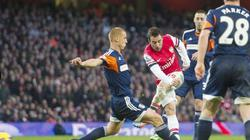 Clip: Cazorla tỏa sáng giữ Arsenal trên đỉnh