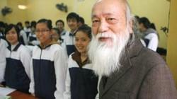 PGS Văn Như Cương khuyên trò dành tiền mừng tuổi làm từ thiện