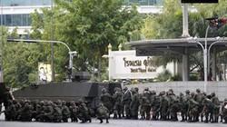 Thái Lan: Xe bọc thép xuống đường, dân đồn sắp đảo chính