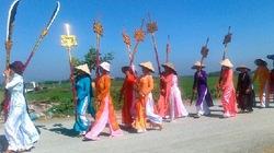 Hội làng ngày Xuân