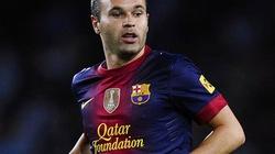 Tiền vệ hay nhất 2013: Iniesta số 1, Ozil số 2