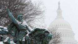 """Thủ đô nước Mỹ """"khốn khổ"""" vì bão tuyết"""