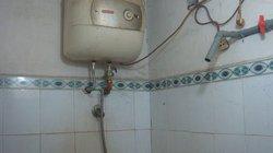 Bố chồng và con dâu chết tức tưởi vì hở điện bình nóng lạnh