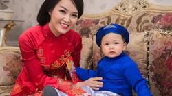 Á hậu Thụy Vân vui Tết cùng con trai kháu khỉnh