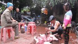 """""""Ăn đụng"""" lợn - nét đẹp văn hóa ở Đồng bằng Bắc Bộ"""
