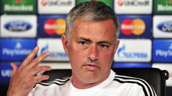 Mourinho tố Man City được trọng tài thiên vị