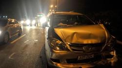 Đâm liên hoàn giữa trời tối ở cao tốc Pháp Vân, xế hộp hỏng nặng