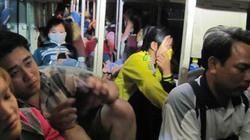 """Thừa Thiên-Huế: Xe 46 chỗ """"nhét"""" 75 hành khách"""