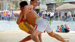Độc đáo hội vật làng Bùng