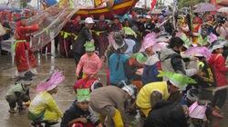 Nô nức khai hội cầu ngư làng Thai Dương