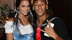 Sắp tới Lễ tình nhân, Neymar bất ngờ chia tay bạn gái