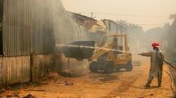 Bình Dương: Một xưởng gỗ 1000m2 cháy liên tục nhiều giờ liền