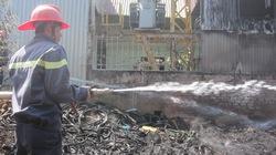 Gia Lai: Đốt rác làm cháy kho phế liệu