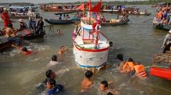 Lễ hội Tống phong trên sông Hậu