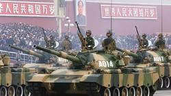 Lính Trung Quốc quá béo, ngồi không lọt xe tăng