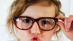 4 nguyên nhân khiến trẻ em dễ bị cận thị