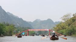 """Cách chùa Hương... 20km, """"cò đò"""" đã đón đầu"""
