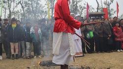 Lễ hội đạp lửa cầu may của người Chăm