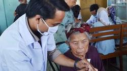 Phong tặng danh hiệu Thầy thuốc Nhân dân cho 67 cán bộ y tế