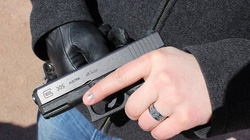 Những vũ khí cá nhân được ưa chuộng nhất thế giới