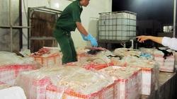 TP.HCM: Bắt giữ xe tải chở phụ phẩm bò bẩn