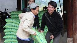 Báo Nông thôn Ngày nay hỗ trợ phân bón cho nông dân nghèo