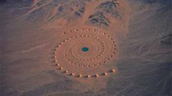 """Giải mã dấu hiệu """"ngoài hành tinh"""" trên sa mạc Ai Cập"""