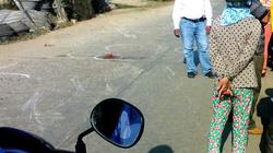 Xe khách đâm thẳng vào nhóm ba học sinh, một em thiệt mạng