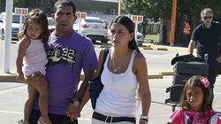 """Vừa chào đời, con trai Tevez đã """"đầu quân"""" cho Boca Juniors"""