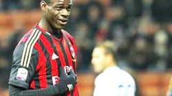 Tottenham bất ngờ muốn mua Balotelli