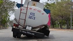 Xe bồn chở dầu bất ngờ văng bánh trên đại lộ
