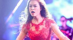 """Hoàng Thùy Linh sexy đỏ rực, diễn """"máu lửa"""" ở Sài Gòn"""