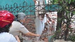 Sập tường nhà, một công nhân bị chôn vùi