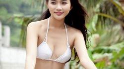 """""""Đỏ mắt"""" với bộ ảnh Phan Như Thảo mặc độc nội y... đi xe đạp"""