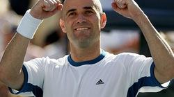 """Agassi muốn làm sư phụ của """"tiểu Federer"""""""