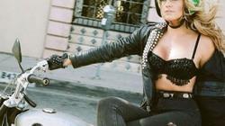 Người đẹp Mỹ đam mê chụp các tay lái môtô nữ