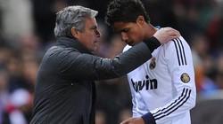 Mourinho gạ Real đổi Varane lấy David Luiz