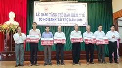HDBank trao 1.180 thẻ BHYT cho hộ cận nghèo Bến Tre