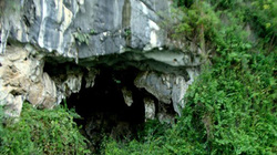 Những bích họa bí ẩn trên núi đá Ninh Bình