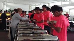 """U19 Việt Nam: Bỏ một bữa ăn bị """"đánh vào túi tiền"""""""
