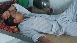 Phú Yên: Phu trầm lao xe vào kiểm lâm