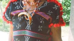 Nanh vuốt heo: trang sức quí của người Cơ Tu